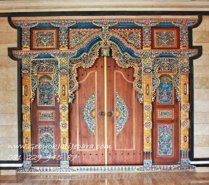 Pintu Rumah Gebyok Pancawarna