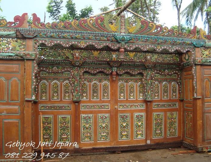 Pintu-Gebyok-Kuno-Klasik