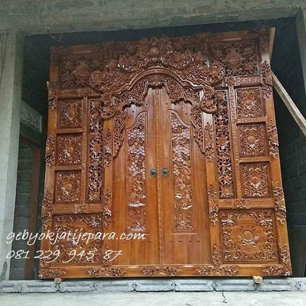 Pintu-Gebyok-Bali-Ibu-Made