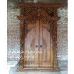 Pintu-Gebyok-Ibu-Arini-Palembang